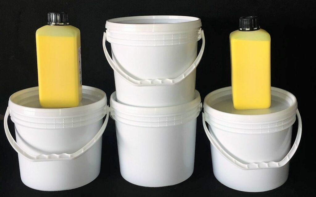 Pelletterie - Water-based polishing paste and nitro dye