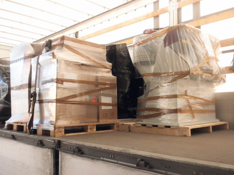 Spedizione e imballaggio macchinari